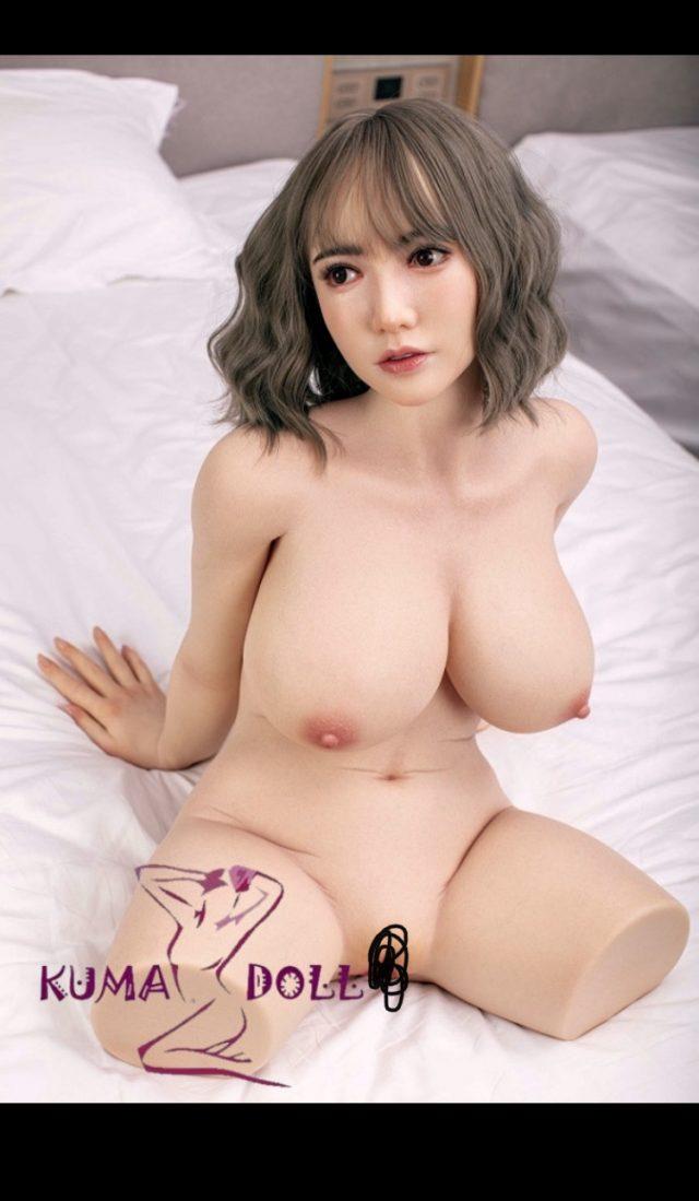 Vqy7iJM - 【朗報】理想的な体型のラブドールが販売されてしまう